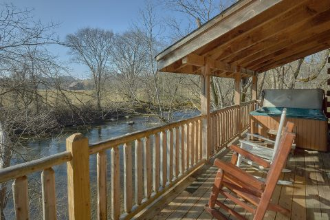 Rustic 2 Bedroom Cabin on the River - Rippling River