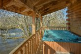 Spacious 2 Bedroom Cabin with Hot Tub on River
