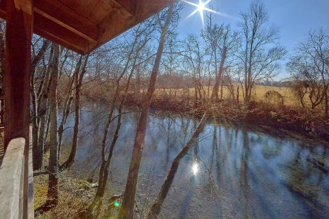Rustic Cabin on the Little Pigeon River - Rippling River