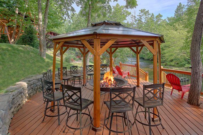 Premium 6 Bedroom Cabin on the River - River Adventure Lodge
