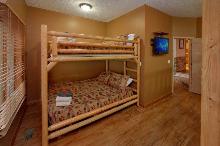 6 Bedroom Cabin Sleeps 20 On The River - River Adventure Lodge