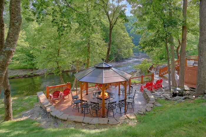 River Adventure Lodge 6 Bedroom Cabin Sleeps 20 - River Adventure Lodge