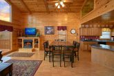 Luxury Cabin with Large dining area