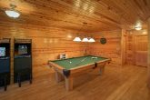 Luxurious Cabin with Pool Table and game Room