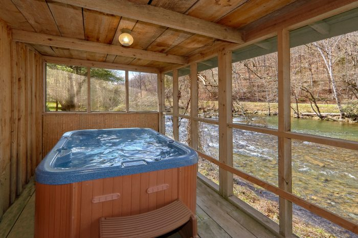 1 Bedroom Cabin with Hot Tub - River Cabin