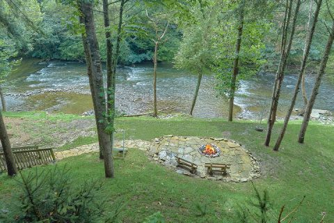 2 bedroom cabin with a fire pit on the river - River Edge