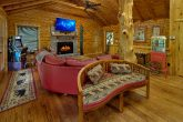 Premium cabin on river with spacious living room