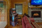 2 bedroom luxury cabin with Arcade Game
