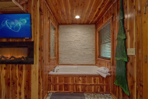 Cabin with 2 Master Bedrooms with 2 Jacuzzi Tubs - River Edge