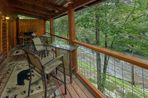 2 bedroom cabin with gas grill overlooking river - River Edge