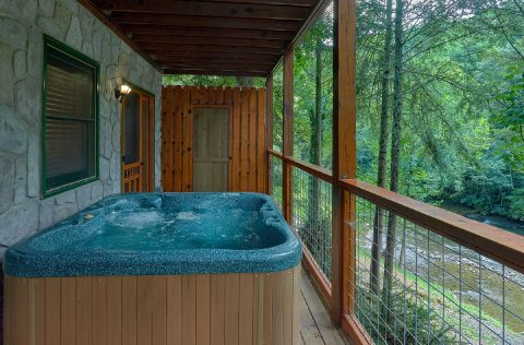 Premium Cabin with hot tub overlooking the river - River Edge