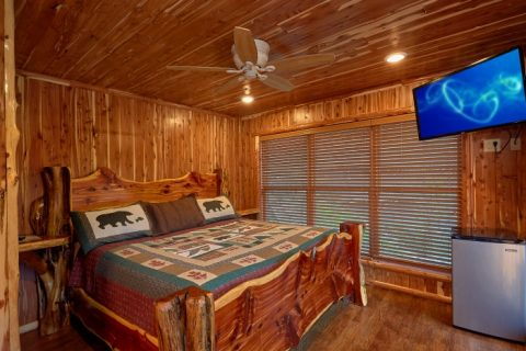 7 Bedroom cabin with 4 King bedrooms - River Mist Lodge