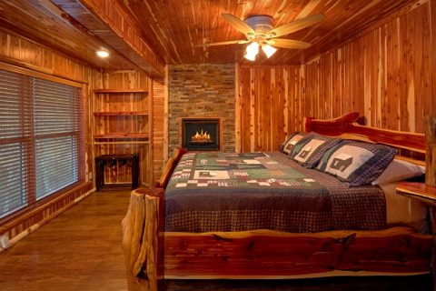 Cabin on the River with 4 King Bedrooms & Baths - River Mist Lodge