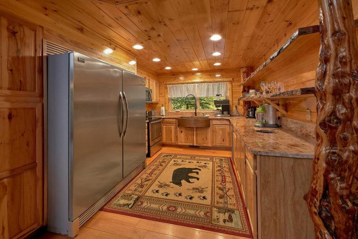 Cabin on the River with Full Kitchen - River Paradise