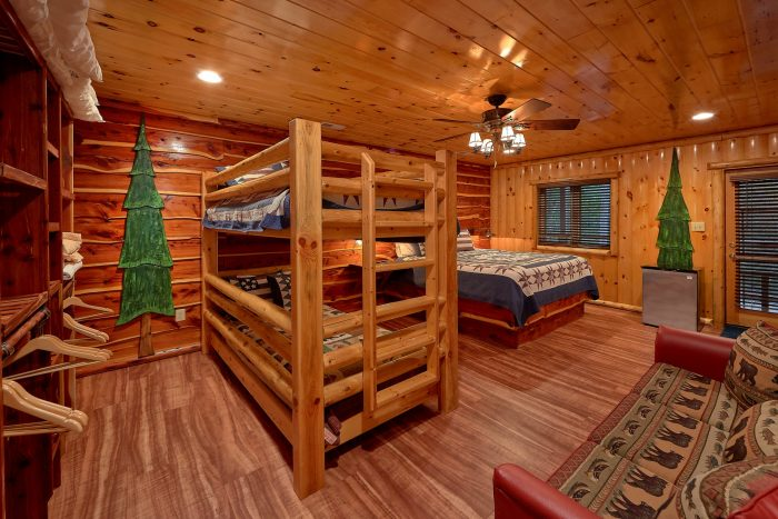 Cabin on the River with Pool Table and Game Room - River Paradise