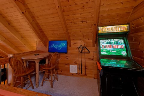 River Cabin with Hunting Arcade Game - River Paradise