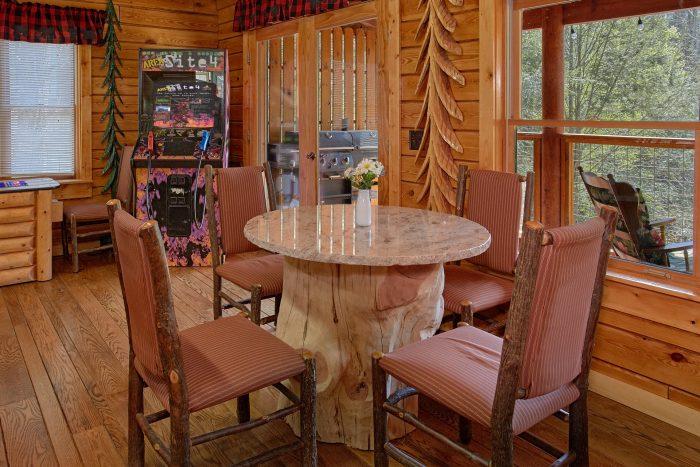 2 Bedroom Cabin that Sleeps 6 on the River - River Pleasures