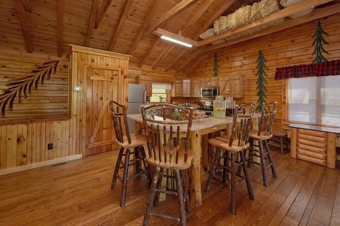 2 Bedroom Cabin on the River with Dining Room - River Pleasures