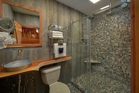 2 Bedroom River cabin with private Master Bath - River Pleasures