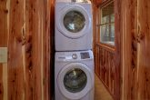 2 bedroom Cabin with new washer and Dryer