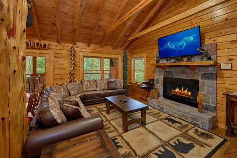 2 Bedroom Cabin with Fireplace and River View - River Retreat