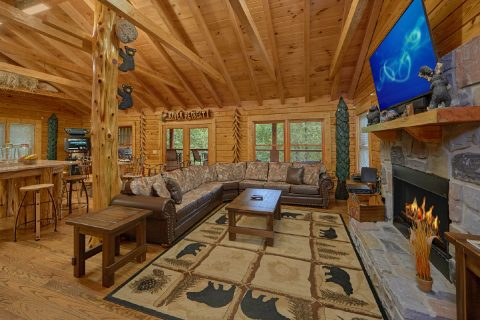 2 Bedroom Cabin with Sleeper Sofa and Fireplace - River Retreat
