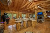 2 Bedroom Cabin with Full Kitchen and Bar