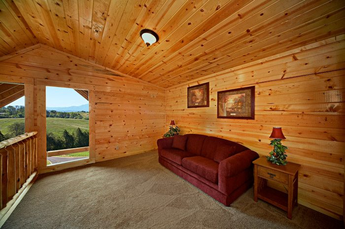 Cabin with Couch in Loft - Rocky Retreat