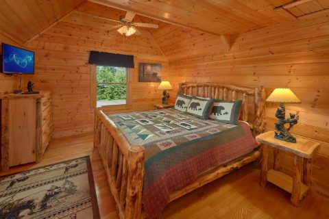 Luxurious Cabin with Private King Bedroom - Rocky Top Lodge