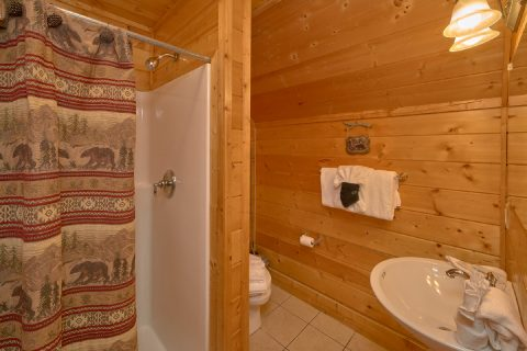 Luxury Cabin with Private King Bedroom and Bath - Rocky Top Lodge