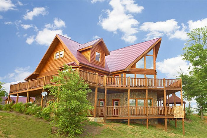Rocky Top Lodge Cabin Rental Photo