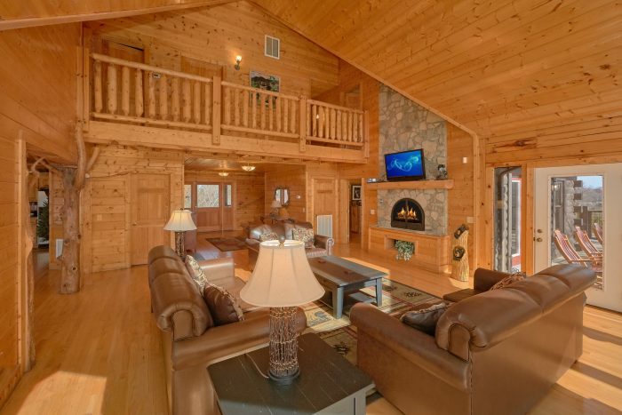 Premium 7 Bedroom Cabin with Fireplace - Rocky Top Lodge