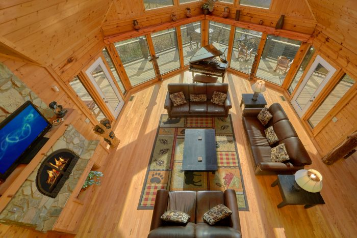 3 Level Luxurious 7 Bedroom Cabin with Views - Rocky Top Lodge