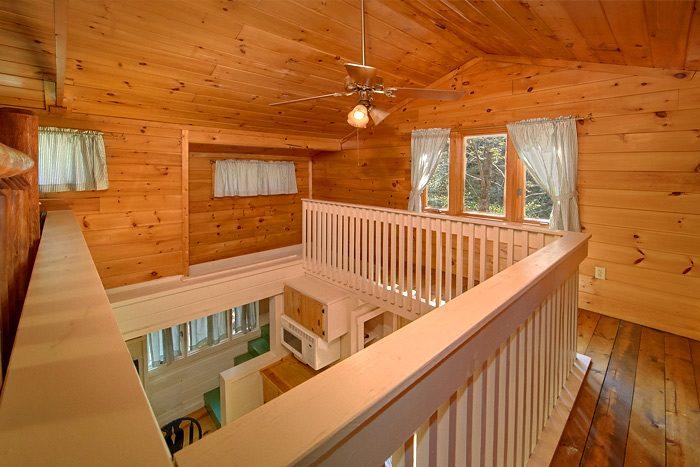 2 Bedroom cabin with 2 Queen bedrooms & Loft - Rolling Creek