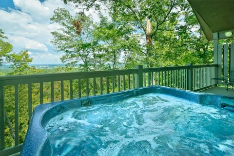 1 Bedroom Cabin with Hot tub, View and Deck - Romantic Evenings