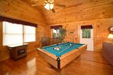 Luxurious Cabin with Pool Table & Game Table