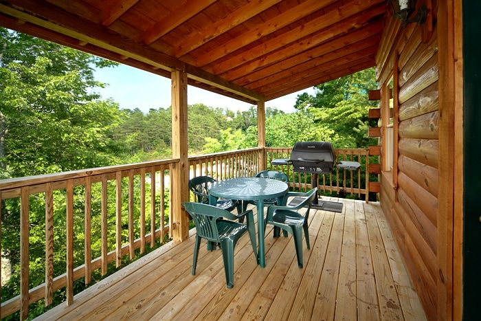 Smoky Mountain Cabin near the Parkway - Royal Romance