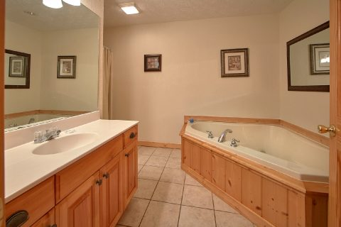 Private Jacuzzi Tub - Royal Vista