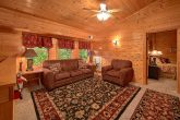 6 Bedroom Cabin Sleeps 20 Extra Seating Area
