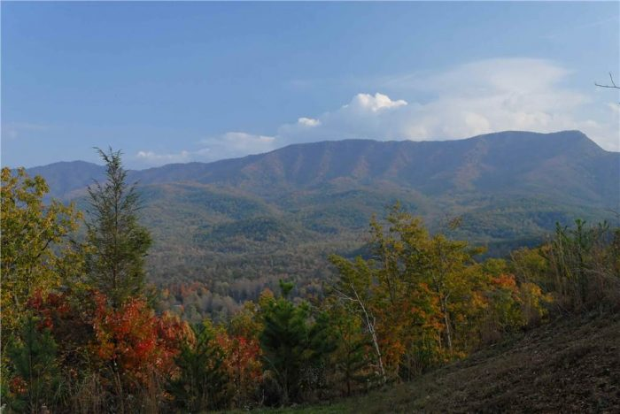 6 Bedroom Cabin Gatlinburg Sleeps 6 Views - Royal Vista