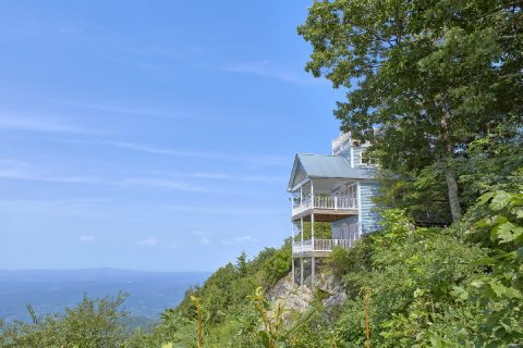Rustic 1 Bedroom Cabin with Premium Views - Ruby's Cliffside