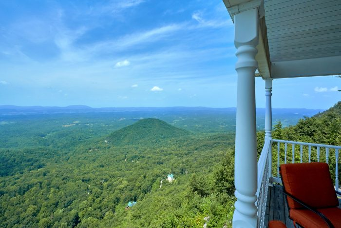Premium Mountain Views from 1 bedroom cabin - Ruby's Cliffside