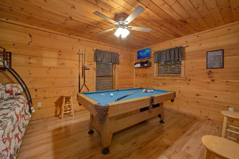 Gatlinburg cabin with Pool Table in Game Room - Running Creek