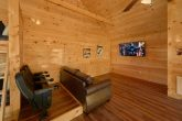 2 Bedroom cabin with Media Room in Loft