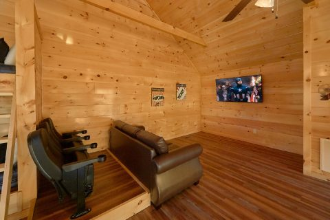 2 Bedroom cabin with Media Room in Loft - Rushing Waters
