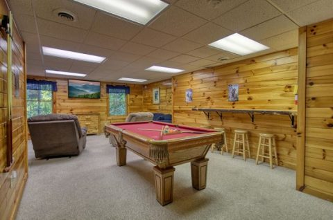 Game Room Pool Table 1 Bedroom Cabin - Saw'n Logs