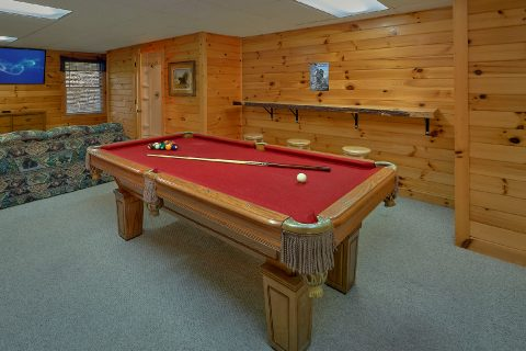 Large Game Room with Pool Table 1 Bedroom - Saw'n Logs