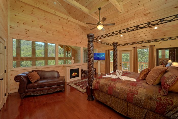 Luxury 2 Bedroom Cabin Master Suite - Scenic Mountain Pool