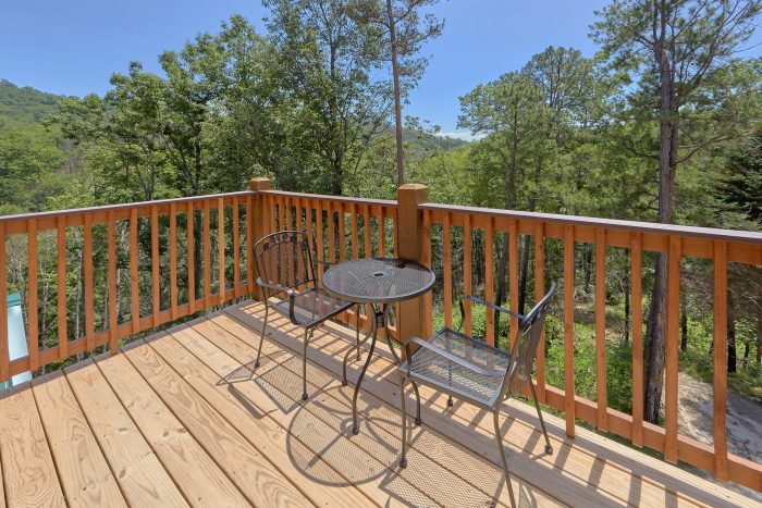 Deck Views 2 Bedroom Cabin Indoor Pool - Scenic Mountain Pool