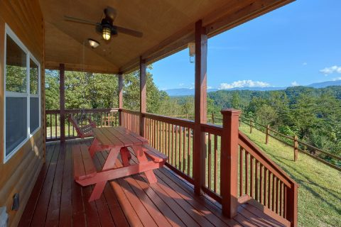 3 Bedroom cabin with Picnic Table and Views - Sea of Clouds